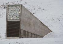 1024px-Svalbard_seed_vault_IMG_8894